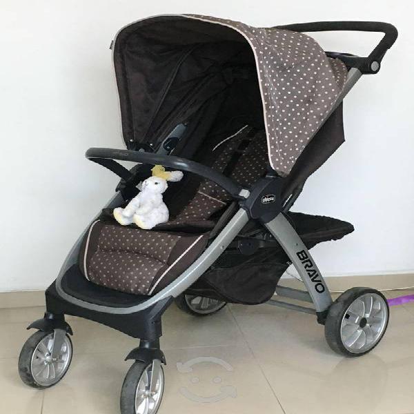 Carriola y porta bebé chicco. modelo bravo