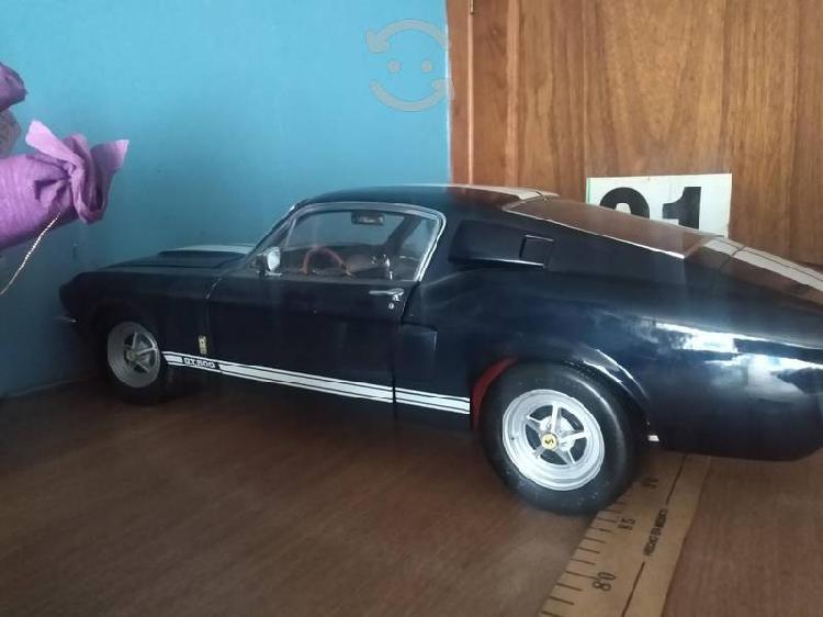 Mustang escala