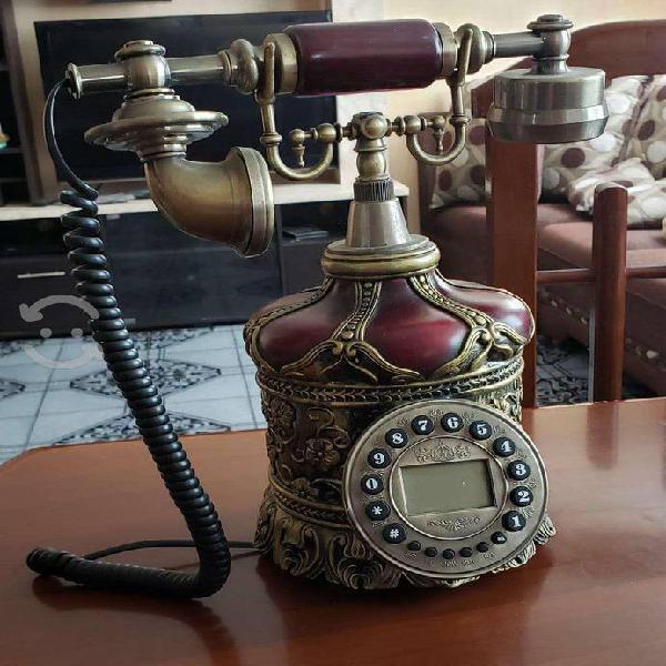 Bonito telefono antiguo