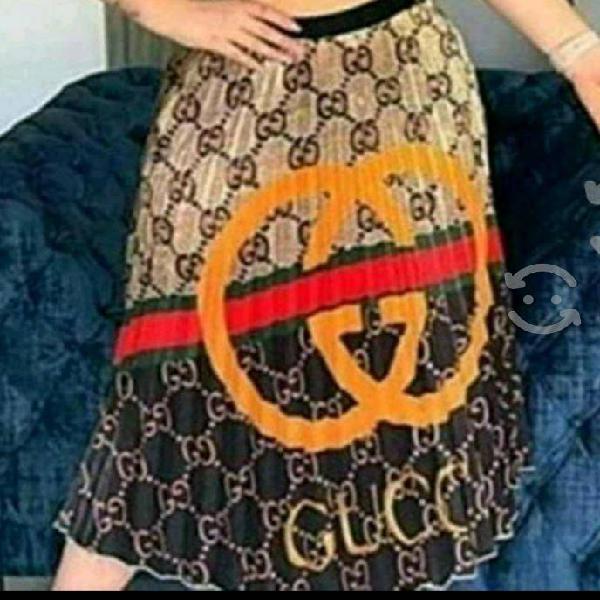 Hermosas faldas gucci, louis vuitton