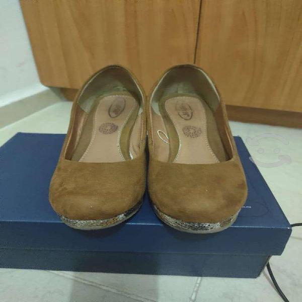 Zapatos número 24.5