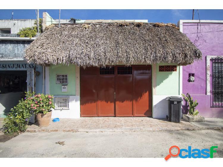 Céntrica casa en venta - Barrio San Juan