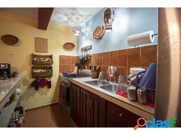 Céntrica casa en venta - Barrio San Juan 3