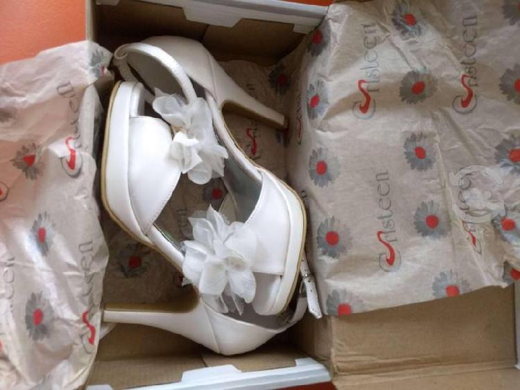 Bonitos zapatos para novia