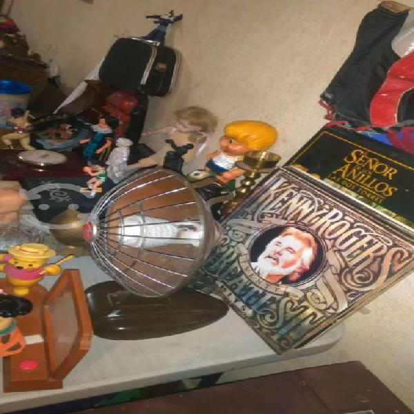 Gran variedad de articulos vintage y de coleccion