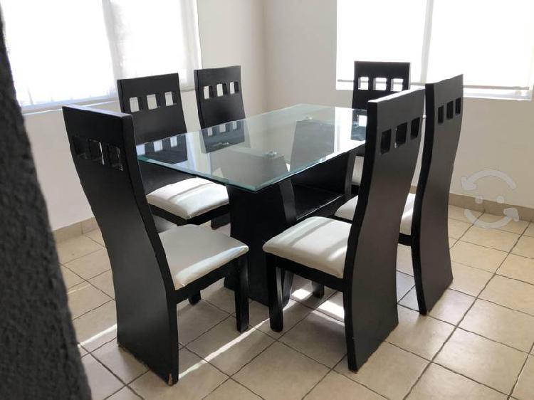 Antecomedor mesa de vidrio con 6 sillas
