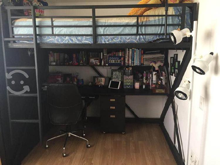 Litera con escritorio en excelentes condiciones
