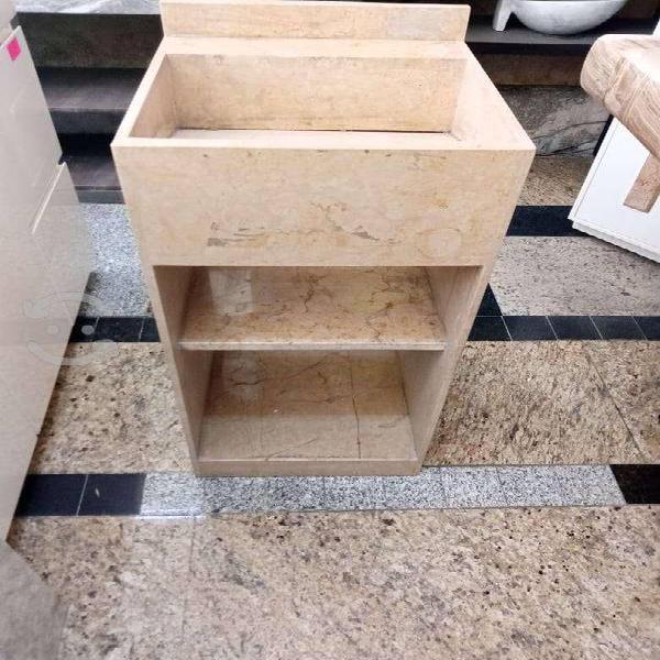 Pedestal de marmol