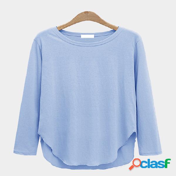 Camisa de dobladillo curvado de manga larga con cuello redondo azul