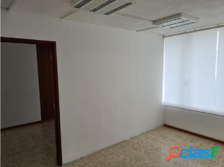 01878 se rentan oficinas ubicadas en av.lopez mateos.