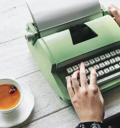 Manejo de redes sociales, artículos para blog, copywriting