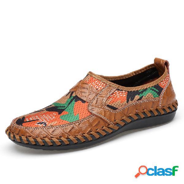 Zapato estampado con costura