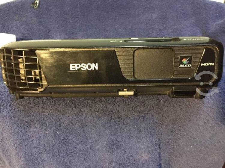 Proyector marca epson modelo s31+