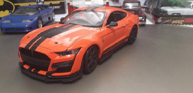 Mustang gt 500 a escala 1/18