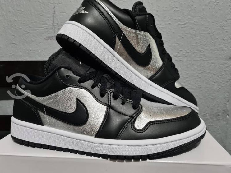 Jordan 1 low silver