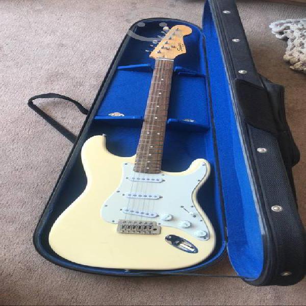 Guitarra squier bullet strat