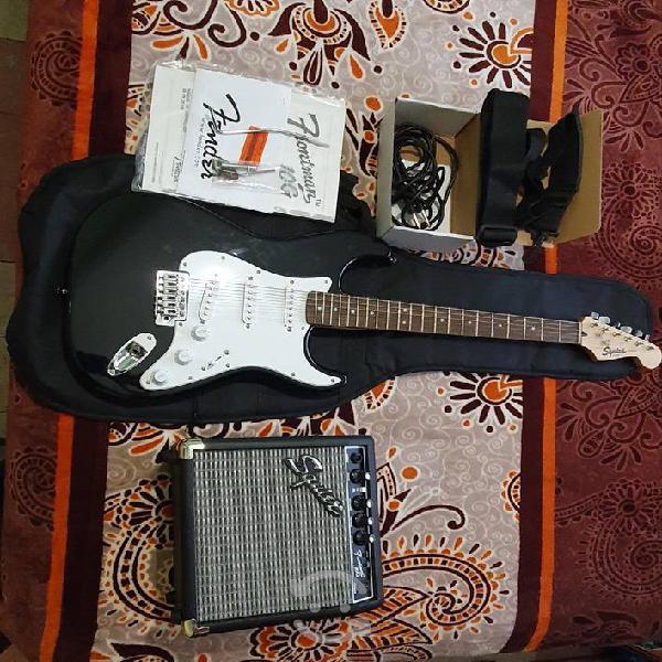 Guitarra eléctrica squire fender seminueva