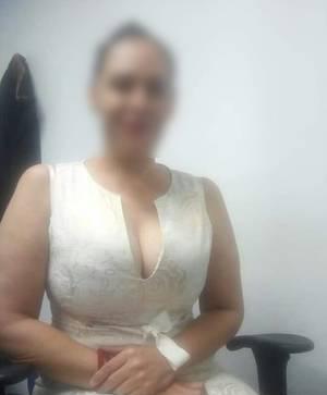Caderona & Piernuda SECRETARIA PUTA SEXY- REAL 2214366572