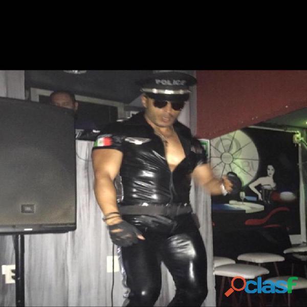 Stripers nezahualcoyotl show vip