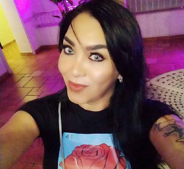 ISABELLA BELLEZA ESPECTACULAR MUY FEMENINA INTERACTIVA