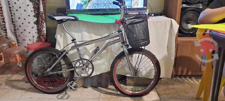 Bicicleta gt cromada bmx rodado 20