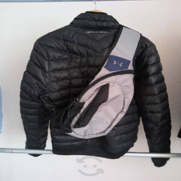 Línea under armour maleta estilo cruzado.$500.00