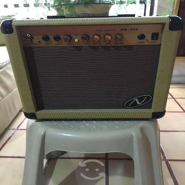 Amplificador para guitarra electrica novation 35wa