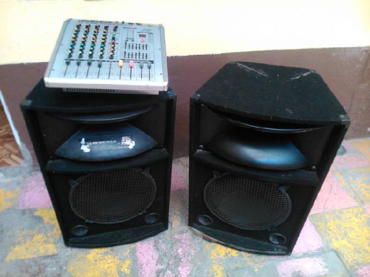 Bafles bocina mitzu de 15 con consola mixer dj