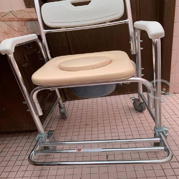 Silla para baño transportable