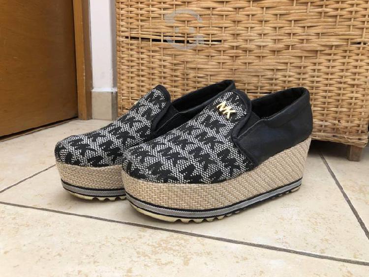 Bonitos zapatos