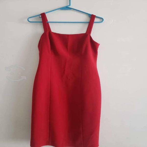 Vestido rojo muy bonito nuevo