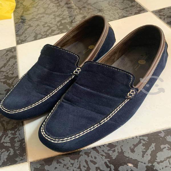 Zapatos azules (tipo mocasines)