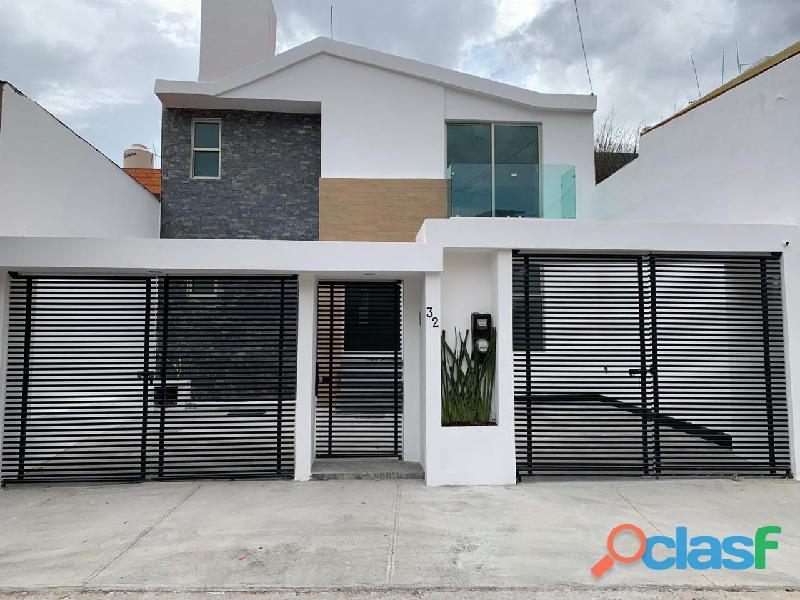 Se vende casa remodelada en fuentes de satélite