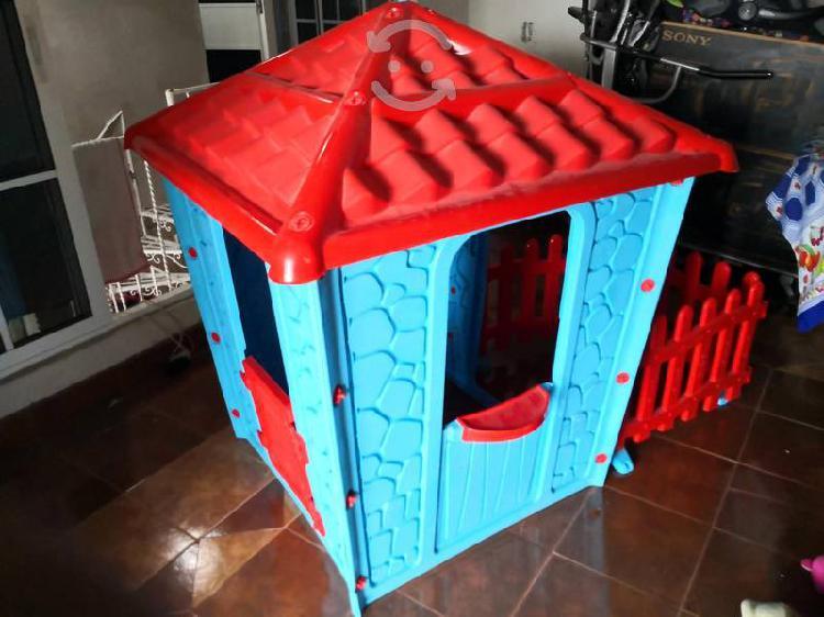 Casa infantil con granja