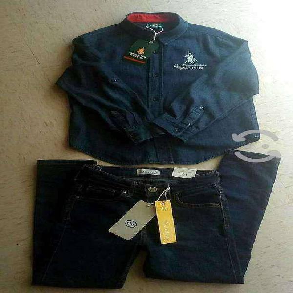Paquete de ropa nueva para niño de marca