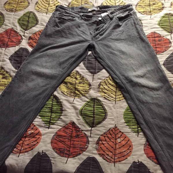 Pantalón mezclilla calvin klein 33x32