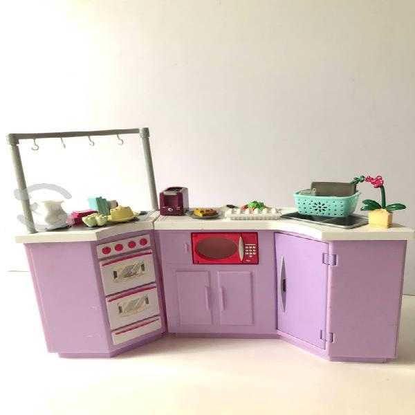 Set de barbie ( cocina con accesorios)