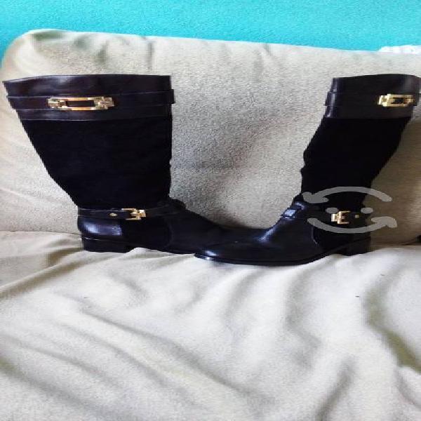 Zapatos seminuevos y baratos $3