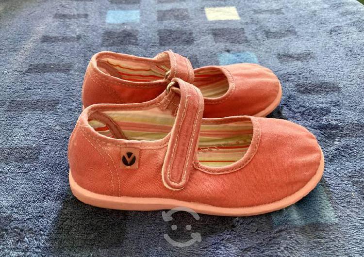 Zapatos y botas para niña $300 c/u