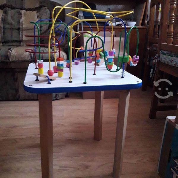 Mesa de laberintos (madera y alambres)