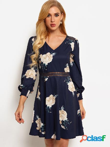 Vestido de manga larga con cuello en v y estampado floral azul marino