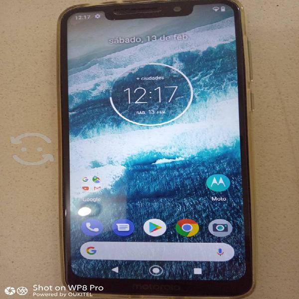 Motorola one desbloqueado con accesorios