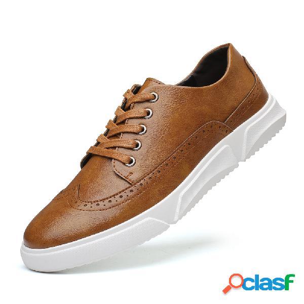 Zapatos de cuero de microfibra planos con cordones antideslizantes transpirables informales para hombres