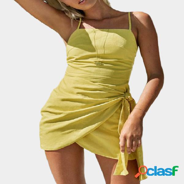 Vestido con dobladillo de diseño con cordones y diseño con cordones en amarillo de cami straps