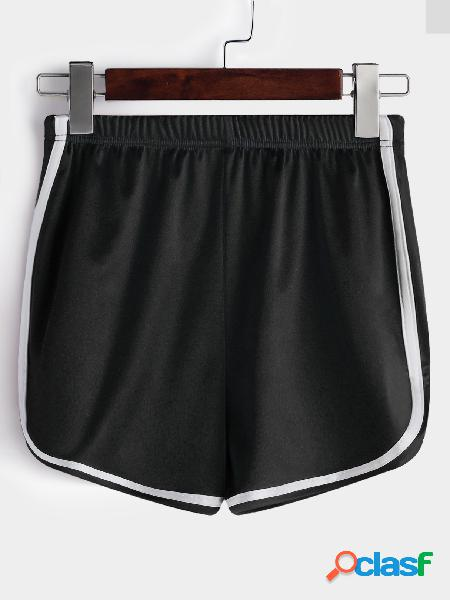 Pantalones cortos de gimnasio de cintura alta de tela negra lisa