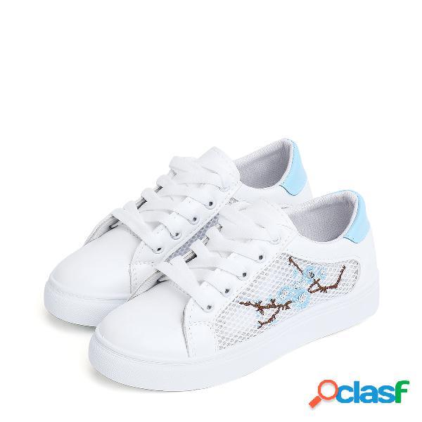 Zapatillas de deporte con cordones y cordones de malla blanca