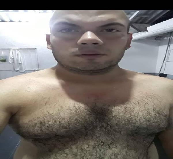 Busco chulo o red que me prostituya soy de Colombia