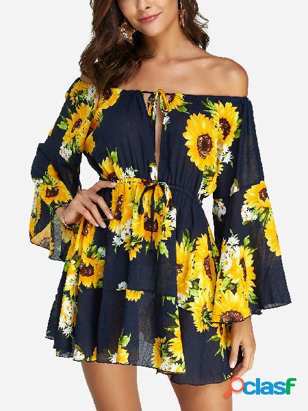 Mini vestido de manga larga con cordones de flores y albornoz floral de color azul marino