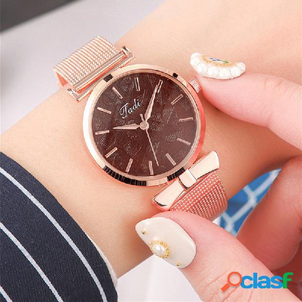Moda elegante mujer relojes de aleación de oro rosa ajustable banda caso sin número dial reloj de cuarzo