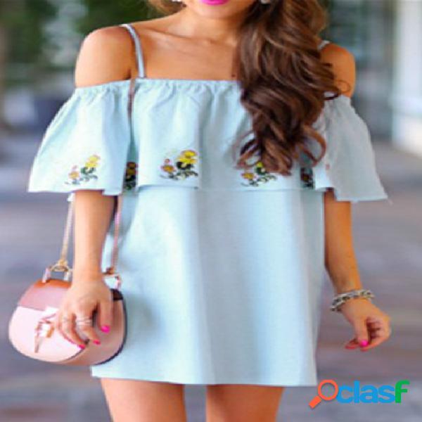 Vestido azul con bordados florales miniatura